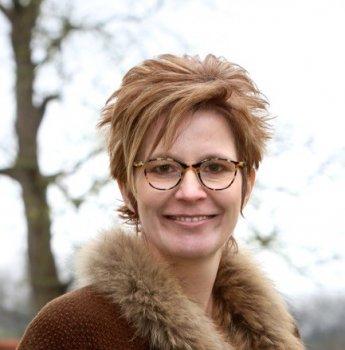 Op deze foto zie je Iris Willems, de oprichter van de training Gedrag en Gedachten Herprogrammeren