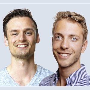 Op deze foto zie je Patrick Suiker en Derek Westra, de oprichters van de Crypto Masterclass