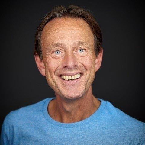 Op deze foto zie je Albert Sonnevelt, 1 van de bedenkers van BreinTV