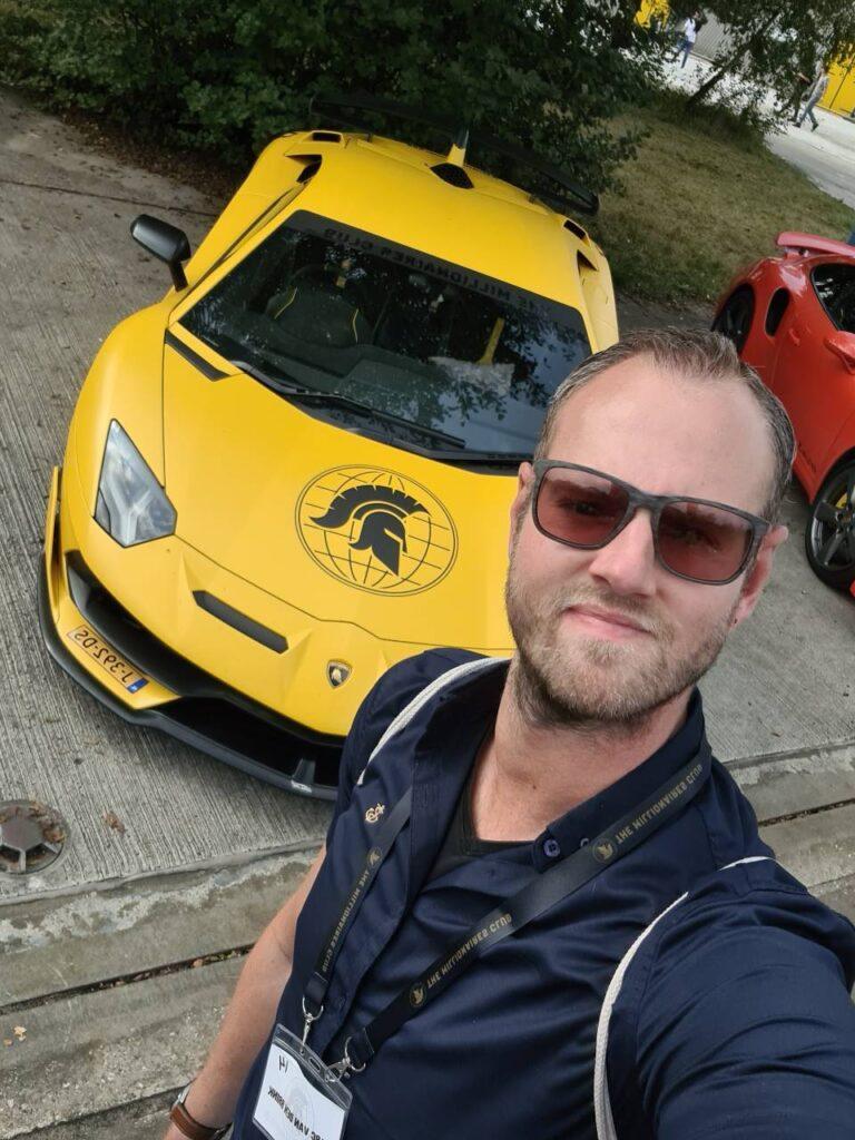 Op deze foto zie je de auto van Vasco Rouw van The Millionaires Club